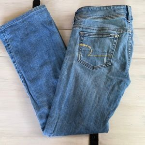 AMERICAN EAGLE jeans👖    SIZE 6